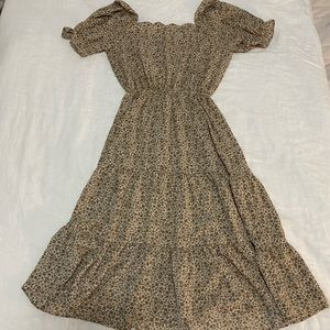 Cottagecore beige floral dress.